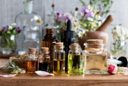 Combining Essential Oils with Cannabis Oil: Maximizing the Benefits
