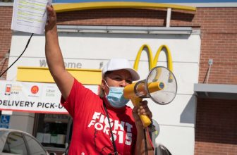 McDonalds fails to manage COVID outbreaks, SEIU steps in